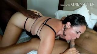 La moglie amatoriale prende 2 tori neri per la prima volta in assoluto