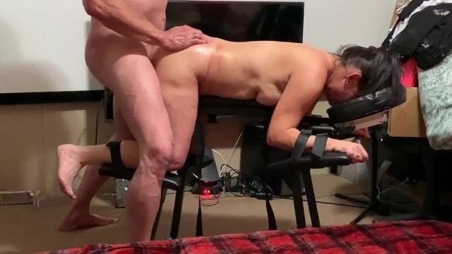 Tie her up naked Beautiful tight pussy gets 12 surprise while tied to table