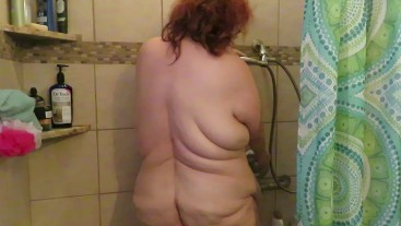 subby puts tail buttplug inside her ass wags it in your faces wiggle it then cleans her ass in water