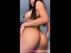 19 Y.O AUTUMN FALLS SQUIRTS & BEGS FOR YOUR CUM