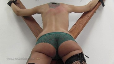 Sissi's bare back whipping 0907