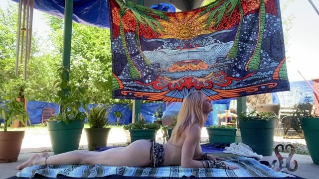 Nude pretene Serene outdoor nude yoga leads to explosive squirt orgasm- full vid on onlyfans//serenesiren