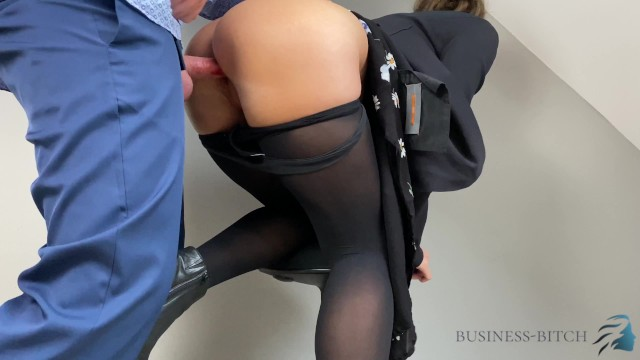 Head insert into man vagina Boss employee short briefing ends with cum into her pantyhose