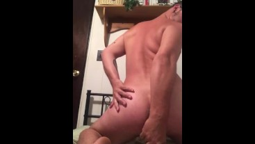 Fat pig fucking and fisting his hole