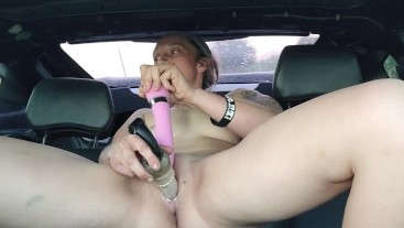 Got horney so I pulled over to play with my pussy