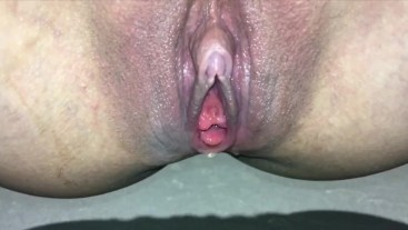 Pee holding failed_Dirty girl can't hold her pee squirt