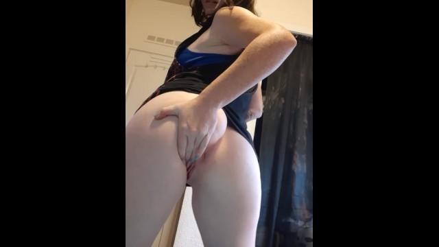 Karen gilian nude Strip tease-watch me suck my own tiddies