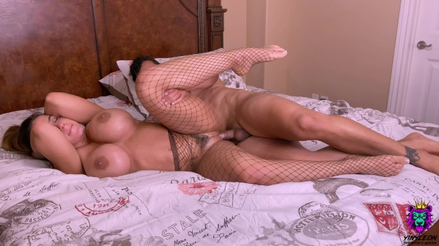 Hottest home sex videos Big ass amateur milf made a dude cum twice in less than 15 minutes.