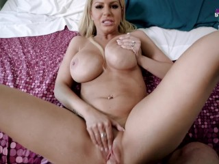 Losing My Virginity to My Hot new Step Mom – Brooklyn Chase
