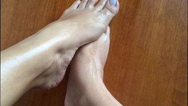 Oiling and massaging my feet