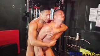 Darmowe filmy porno HD - Peter Fever Japonka Ryuji Rucha Się Z Młodym Mężczyzną Po Treningu