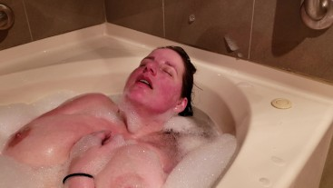 Masturbating in the tub with my hair slicked back- Stacey38G
