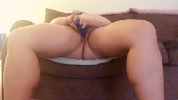 BBW Uses Dildo and Hairbrush
