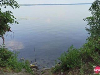 Кремпай на берегу лесного озера