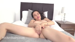 Rylee Mae achieves incredible orgasms in bed