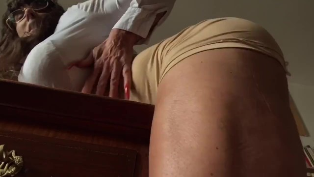 I rub my penis Rubbing my huge muscular clit on the desk