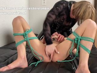 Femdom Facesitting on squirting slut