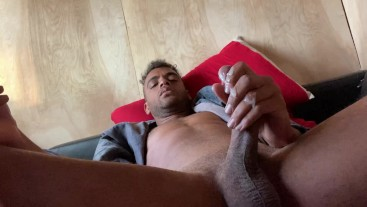 THICK COCK EXPLODES IN CUM AS ROCK MERCURY STROKES IN BALL BOUNCING JERK OFF