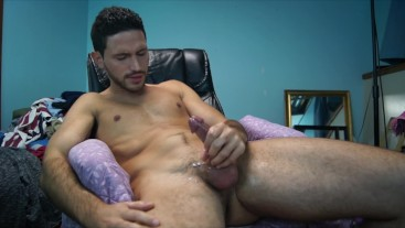 HANDSOME YOUNG HOT GUY CUMS ALL OVER HIMSELF - LEAKED EX BOYFRIEND VIDEO - BIG DICK CUMSHOT