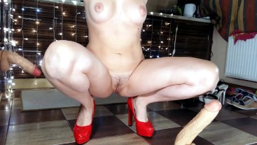 SQUIRT AFTER MASTURBATION BY HIGH HEEL!