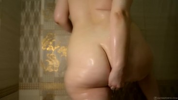 Cute BBW Playing In the Shower