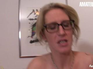 Reife Swinger – Huge Tits German Mature Housewife Kinky Surprise For Her Neighbour
