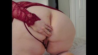 Cumming while playing with my Plug
