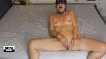 Amateur MILF makes herself cum hard with her vibrator