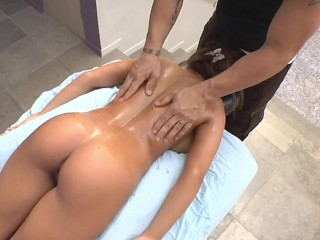 BANGBROS - Busty Pornstar Madison Ivy Covered In Warm Oil, Gets Intimate Massage