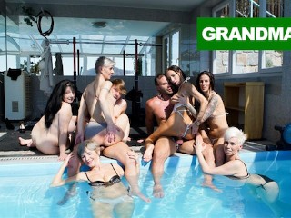 Fucked Up Granny Pool Orgy thong blowjob
