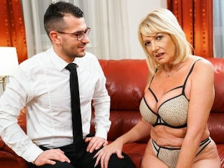 LustyGrandmas Thirsty GILF Wants To Taste The Room Service Guy's Big Dick