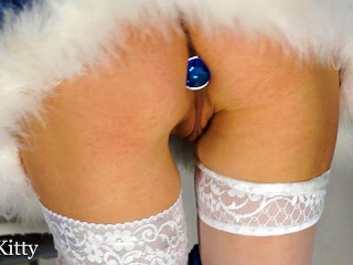 CHRISTMAS ANAL BUTT PLUG, BLOWJOB, CUNNILINGUS AND CLOSE-UP FUCK - PLAYSKITTY, PART 1