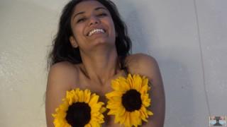 免费的色情录像 - Viva Athena 你会他妈的我的腋窝吗?裸照向日葵亚洲女孩炫耀腋窝