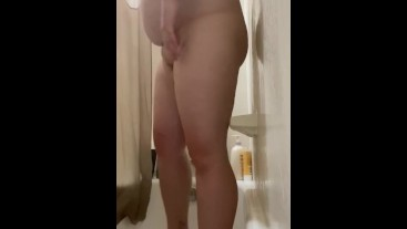 Phat pussy in the shower
