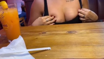 Flashing in public cafe !!
