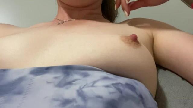 khloe kardashian tits