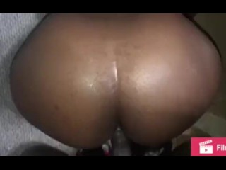 Quickie fuck on the floor let him cum on my pussy