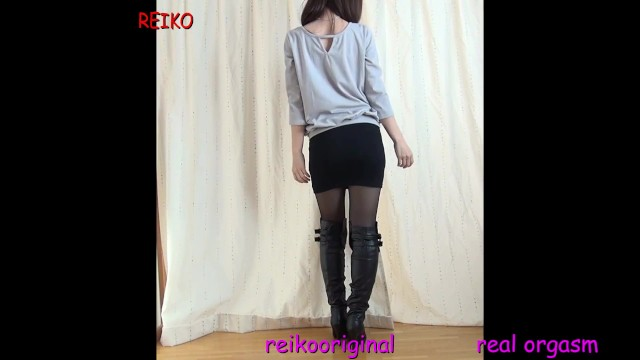 Pantyhose naughty Wearing naughty pantyhose and long boots and showing off m-shaped dildo masturbation real orgasm
