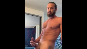 Big Dick solo flexing and stroking
