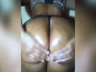 Oily big Ass…oòoh