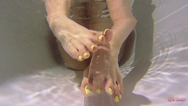 Tube8 fist Kira loster plays with a dildo underwater