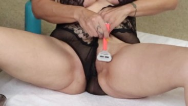 Shaving Pussy with Dirty Talk - MILF Masturbation - Toy Play - Upclose Pussy Shots