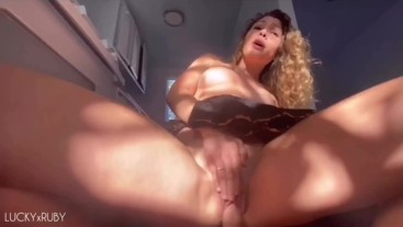 Horny Girlfriend Gets Fucked in the Kitchen - Amateur Couple LUCKYxRUBY
