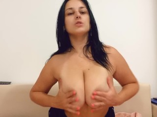 I love to play with my boobs !!!