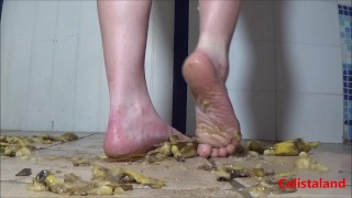 bananas and kiwis crushed by 2 delicious female feet – teen porn