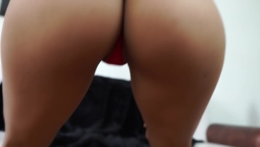moving her ass in red thong | kelly compulsive