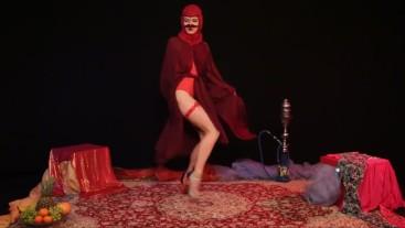 Horny Arab Woman Dance