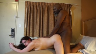 White Slut fucks the neighborhood pimp for a loan
