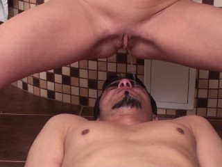 slave richie get his mouth full of pee