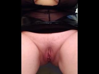 xxMissSwitchxx Pissing in Toilet Spread Pussy